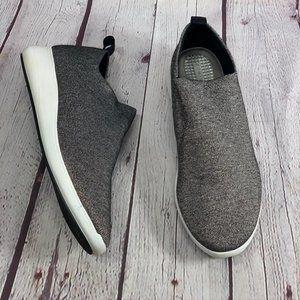 COM + SENS Black/White Metallic Fabric Slip On Sne